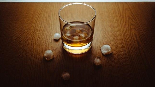 Üllatav fakt: miks peaks kange napsi sõber eelistama baaris viskit?