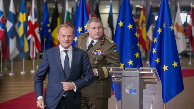 Donald Tusk ja Riho Terras Euroopa Ülemkogul PESCO tseremoonial