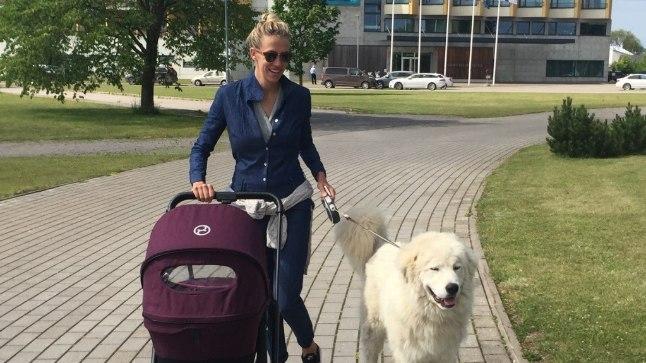Anni Rahula alustas kohe pärast sünnitust jalutuskäikudega.