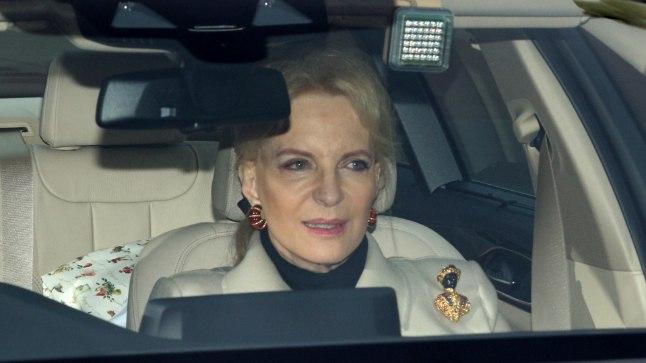 RASSISTLIK AKSESSUAAR: Kenti printsess Michael Elizabeth II jõululõunale saabumas.