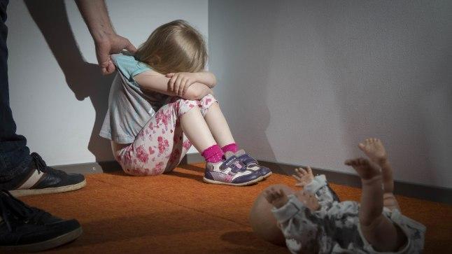 KURBUST TÄIS PÜHAD: Vägivaldsed purjus pereisad rikkusid üle terve Eesti pere pühademeeleolu. Foto on illustratiivne.