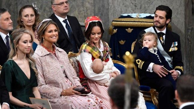 Printsess Madeleine oli valitud prints Gabrieli (pildil oma ema printsess Sofia süles) üheks ristiemaks.