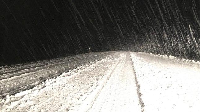 5. detsember 2017: Viljandimaa teed on lumised ja libedad.