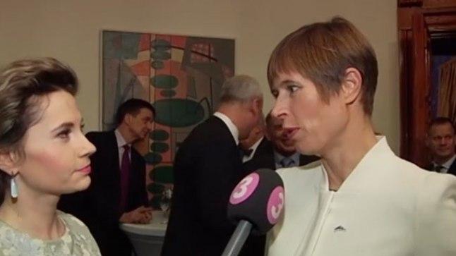 President Kersti Kaljulaid (paremal) Soome suursaatkonnas Tallinnas pidulikul vastuvõtul 6. detsembril 2017.