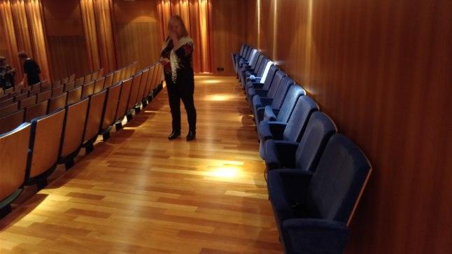 SÄÄSTUAREEN: siin, tagumise seina ääres istujad, said kontserdile 50 euro eest. Iga rida eespool maksis vähemalt 10 eurot rohkem.