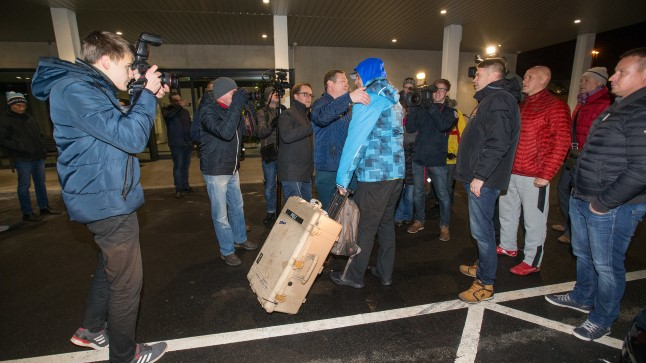 TAASKOHTUMINE: Suure kohvriga Raigo Kustmann haaras lähedased embusesse.