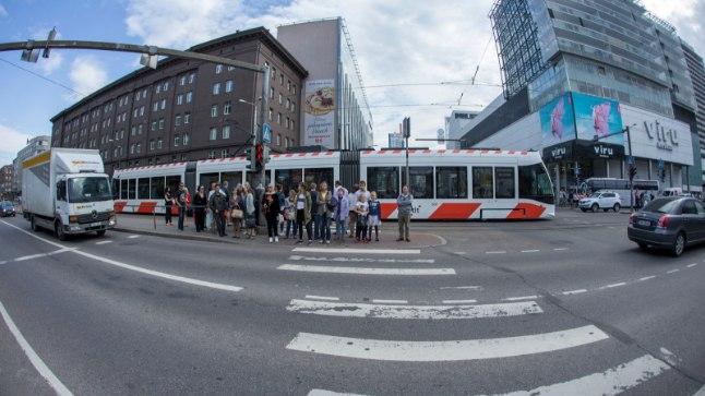 LUGEJA HOIATUS: ühistranspordis on liikvel teismeliste pikanäpumeeste kambad!