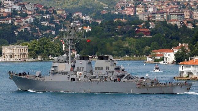 TÄHELEPANUVÄÄRNE: Kõige suuremat tähelepanu pälvis USA raketimiinilaeva USS Porter saabumine Mustale merele 2. veebruaril.