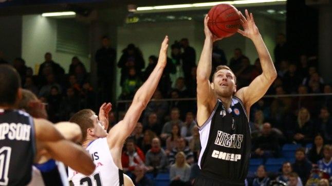 Siim-Sander Vene on Erik Keeduse üle mänginud ja toob kaks punkti.