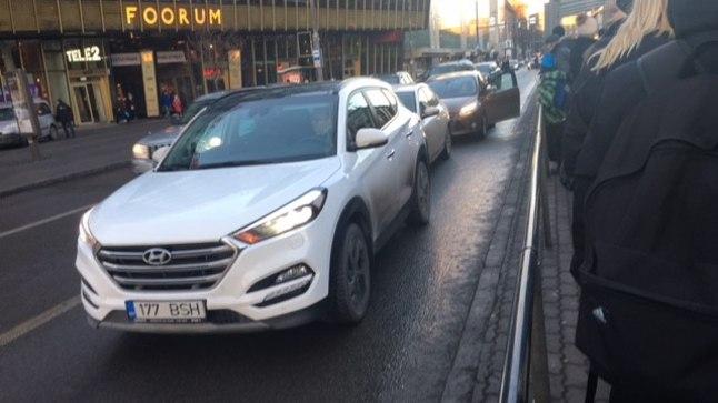 Liiklusõnnetus Tallinnas Viru väljakul 14. veebruaril 2017.
