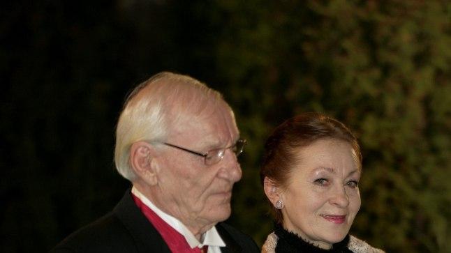 Akadeemik Trass koos abikaasa Raine Looga  Eesti vabariigi  89. aastapäeva vastuvõtul