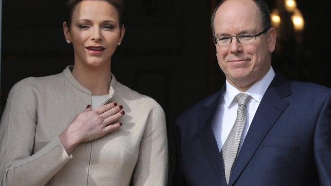 Monaco vürst Albert II abikaasaga