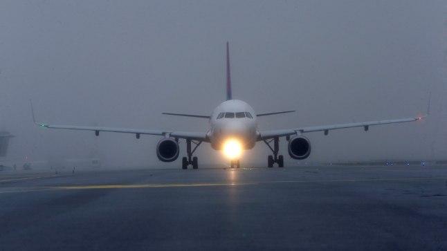 Riia lennuväljal hakkas lennuk hokimeeskonnaga rikke tõttu libisema