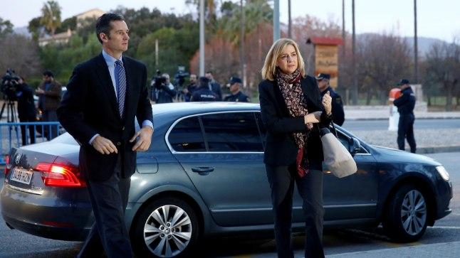 Printsess Cristina ja tema abikaasa saabumas kohtusse