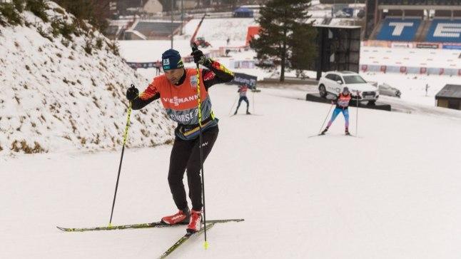 Andrus Veerpalu Kasahstani koondise heaks suuski testimas.