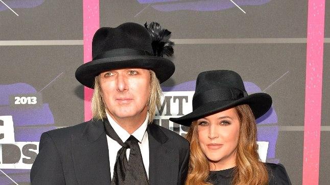 Lisa Marie Presley koos oma neljanda abikaasa Michael Lockwoodiga.