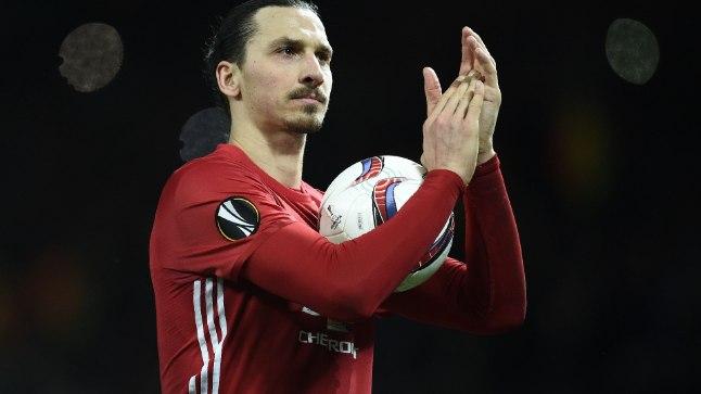 Kolme värava autor Zlatan Ibrahimovic viis traditsiooniliselt mängupalli endaga koju.