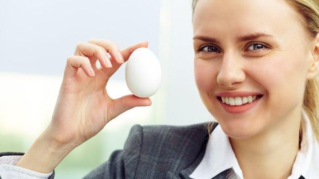 Toidulaualt ei tohiks pikemat aega puududa omastatavuse ja toimiva sisalduse poolest inimorganismi jaoks tõepoolest rikkalikud Q10 allikad, näiteks muna.
