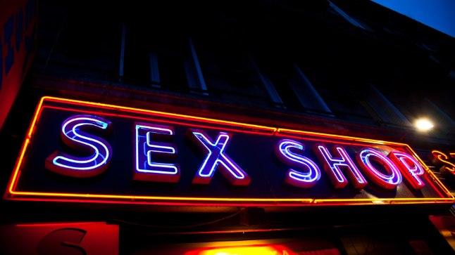 ÄRA LOOBU NAUDINGUST: 9 asja, mida sekspoe müüja tahab, et sa teaksid...