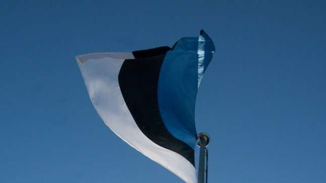 Pääs Kuberneri aeda lipuheiskamist jälgima on kõigile vaba.
