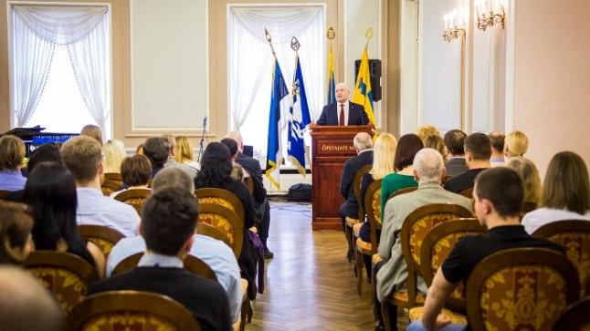 Uute kodanike õnnitlustseremoonia Tallinna Õpetajate Majas 27. veebruaril 2017.