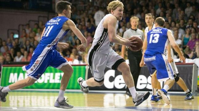 Gert Dorbeku (palliga) kogemused tõid Tartule raske võidu.