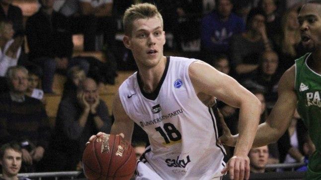 LÄBIMURDJA: Mullu novembris BC Kalev/Cramo särgi Tartu Ülikooli oma vastu vahetanud Janar Soo tegi Taaralinna klubi eest meistriliigas kaasa kuues kohtumises ning viskas keskmiselt 4,6 punkti.
