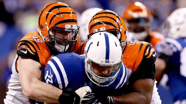 Edaspidi ahistab Margus Hunt (vasakul) Indianapolis Coltsi mängujuht Andrew Lucki ainult trennides.