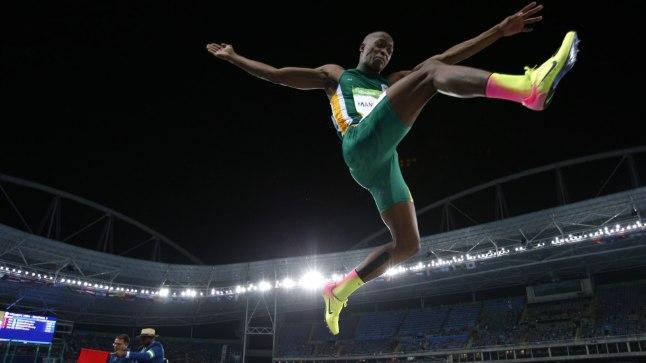Niimoodi hüppas Luvo Manyonga Rio olümpial.