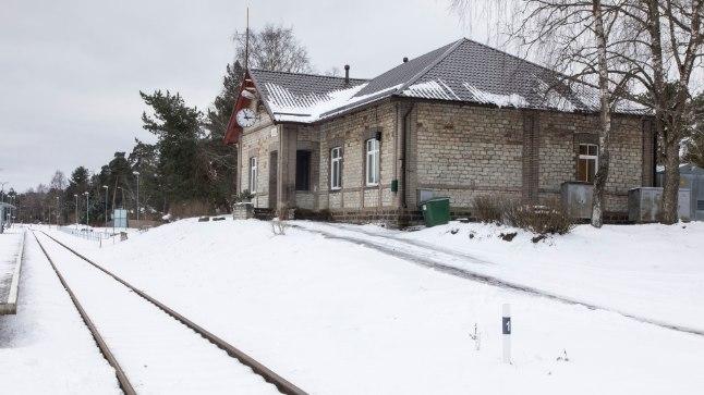 Liiva raudteejaamal on kummaline sugulus Riisipere jaamaga.