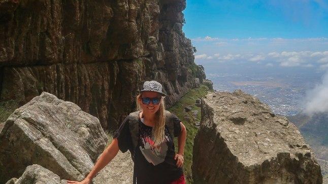 RÄNDUR: Endine ninjatüdruk Katrin Siska avastas kaks kuud elukaaslase ja kolmeaastase pojaga Aafrikat. Katrin sõnab, et on alati soovinud palju ringi reisida ja unistanud sellest, et saaks tööd teha ükskõik, millises maailma otsas. Nüüd ta seda saab.