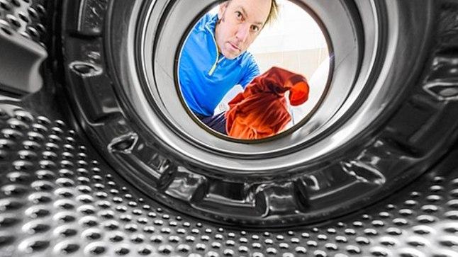 Riideid ei pea pesumasinasse pressima. Tegelikult soovitatakse pesumasin ainult pooleldi täita, et saavutada parim pesutulemus.