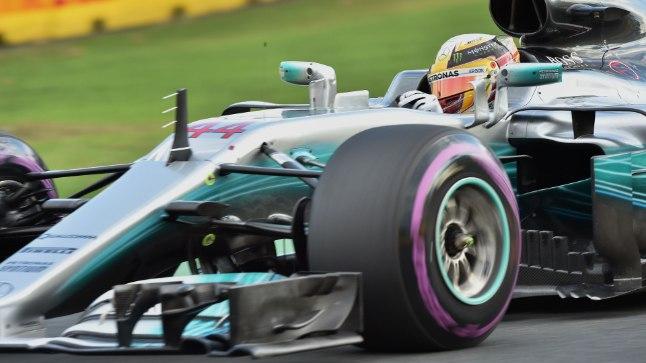 Lewis Hamilton Mercedese roolis.