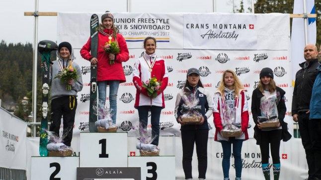 Kelly Sildaru - juunioride rennisõidu maailmameister!