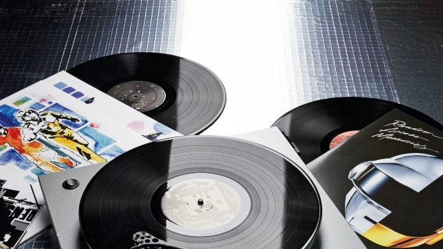 3 põhjust, miks saata digitaalne muusika põrgusse ja hankida vinüülimängija