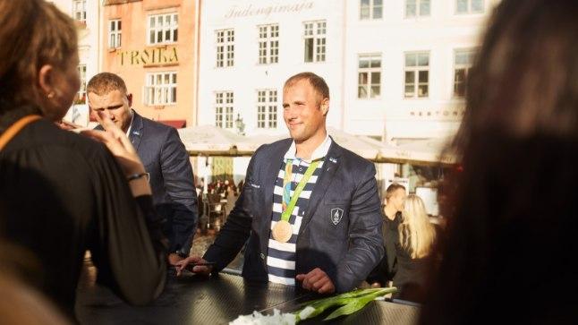 Andrei Jämsä (keskel).