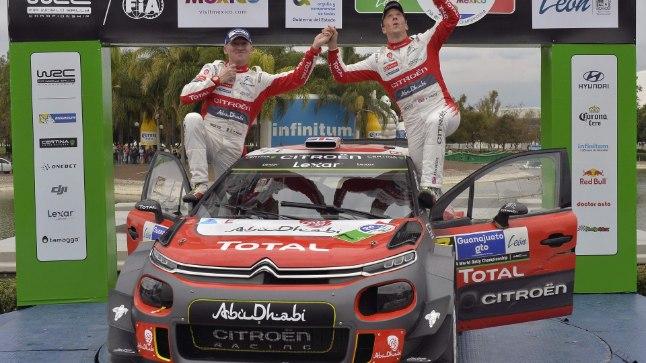 Põhjaiirlane Kris Meeke (paremal) koos kaardilugeja Paul Nagle'iga. Duo võitis eelmise MM-ralli, mis sõideti Mehhikos.