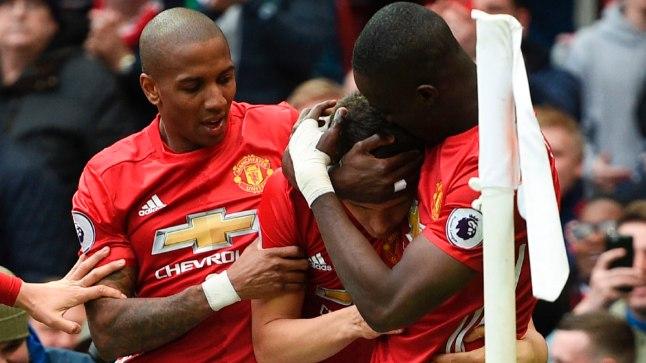 Manchester United alistas Londoni Chelsea 2:0.
