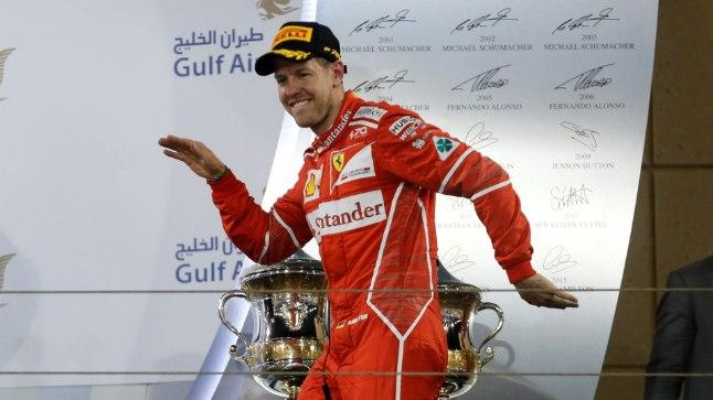 Sebastian Vettel tantsis Bahreini GP poodiumil samamoodi nagu Kelly Sildaru 2016 Aspenis.
