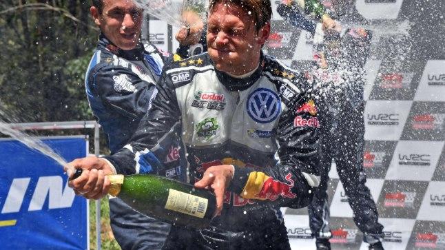 Andreas Mikkelsen tähistas novembris Austraalia ralli võitu, kuid jäi seejärel ootamatult töötuks.
