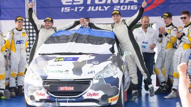 VÕIT! Miko Niinemäe (paremal) ja Martin Valter võitsid mullu noorsõitjate arvestuses Rally Estonia. Tänavu kihutatakse MM-sarjas.