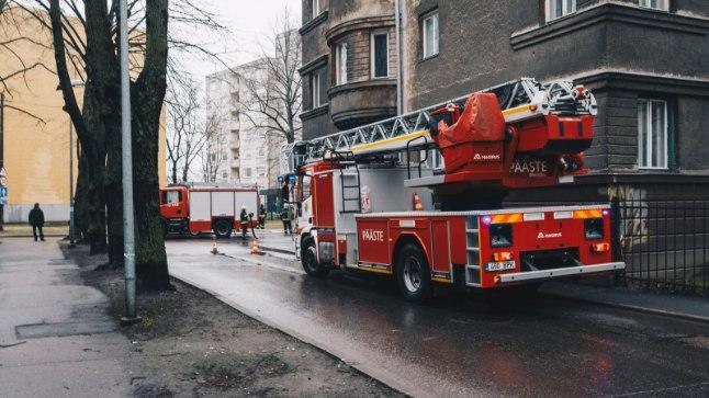 Tulekahju Tallinna Karu tänava ühikas