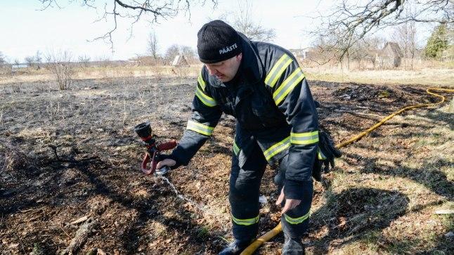KULUPÕLENGUTE HAARDES: Eile kustutasid Abja-Paluoja päästjad kulu Viljandimaal.