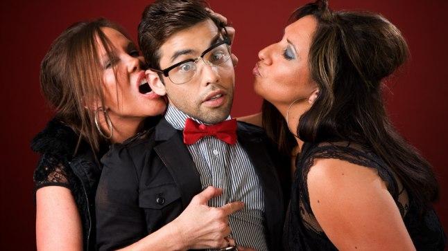 10 põhjust, miks mehed eelistavad seksida vanemate naistega