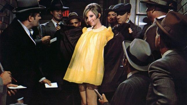 UUDNE SEKSISÜMBOL: Barbra Streisand tõestas nii oma emale kui ka teistele, kes tema välimust halvustasid, et anne ja otsusekindlus viivad sihile. Neal Gabler kirjutab oma värskes raamatus, et Barbra muutis meie arusaamist ilust, naiselikkusest ja võimust.