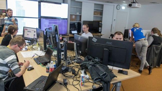 Patsiga ja patsita poisid ja tüdrukud: küberõppuse Eesti osalejad valmistuvad Crimsonia rünnakute tagasilöömiseks.