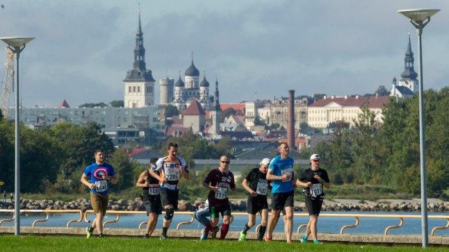 Jooksjad Tallinna sügisjooksul