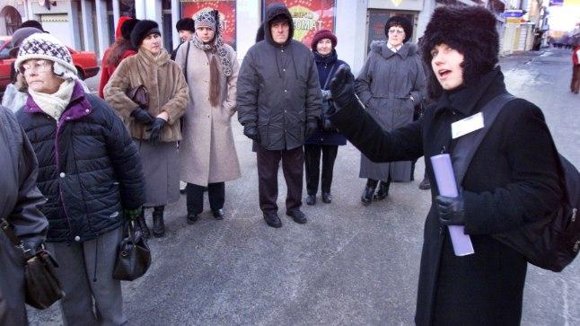Pärnu päeval korraldab Pärnu giidide ühing tasuta linnaekskursioone, tutvustades südalinna, Suure-Jõe  piirkonna agulimiljööd ja keskajast pärit hooneid.
