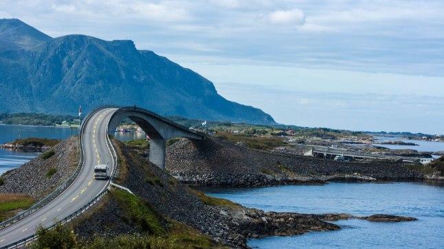 ATLANDI TEE: Storeidsundeti sild on pikim sild kuulsal Atlanterhavsveienil.