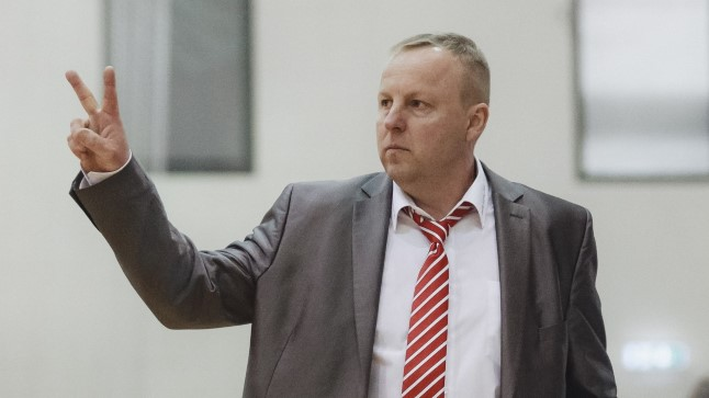 Aivar Kuusmaa on teinud Rapla peatreenerina väikest viisi imet, viies väikelinna tiimi korvpalli Eesti meistrivõistluste finaali.